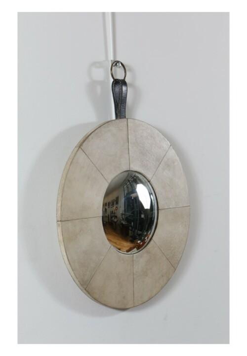 Miroir soricère gainé de parchemin blanc, par Jacques Adnet, vers 1940-1950
